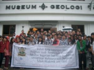 teman- teman di Museum Geologi bandung